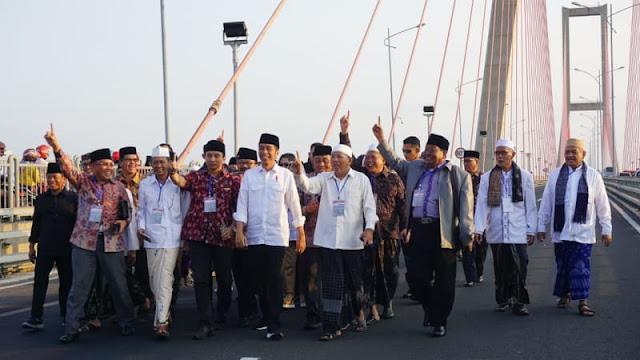 Dilaporkan ke Bawaslu, Jokowi Tak Minta Salam 1 Jari di Tol Suramadu