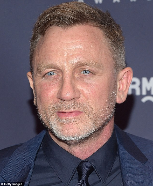 007 TRAVELERS: Daniel Craig: Keeping the British end up!