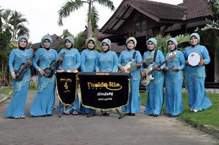 Gambar Group Putri Nasida Ria Semarang 2015