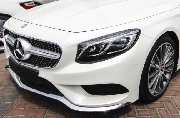Cụm đèn trước Mercedes S500 4MATIC Coupe thiết kế nổi bật với 94 viên Pha lê Swarovski
