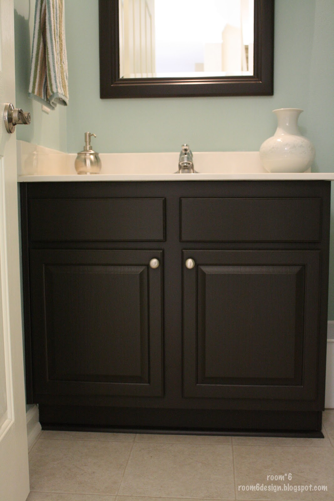 Paint Bathroom Cabinets