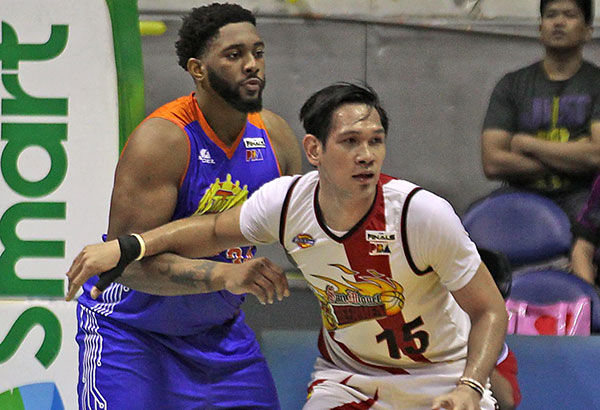 June Mar Fajardo stood his ground against heavier Joshua Smith.