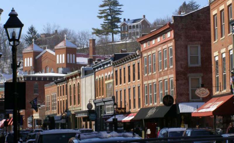 Galena, Illinois, Budget travel