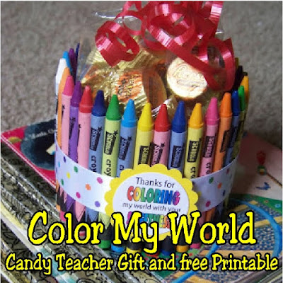 Give your favorite teacher a great Back to School gift, Teacher appreciation gift, or End of School gift with this cute Color My World thank you gift.  There's instructions for the DIY gift, a free printable, as well as an excuse to snag a few pieces of candy while you make it.