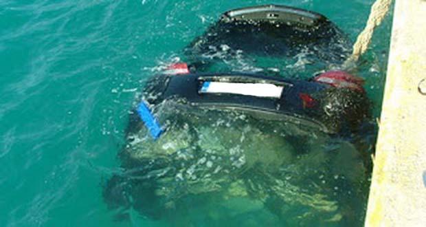 Ζευγάρι έπεσε με το ΙΧ στη θάλασσα - Νεκρή μια 36χρονη γυναίκα