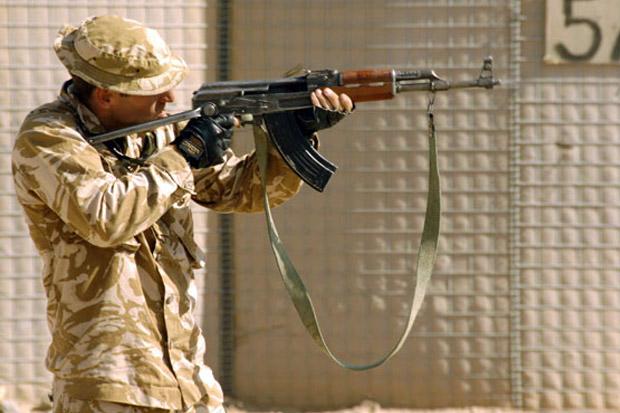 Pasukan Tempur Amerika Serikat Minta Dibuatkan Senjata AK-47