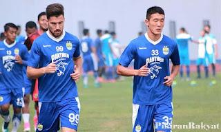 Persib Bandung Pertahankan Dua Pemain Asing, Dua Lainnya Dilepas