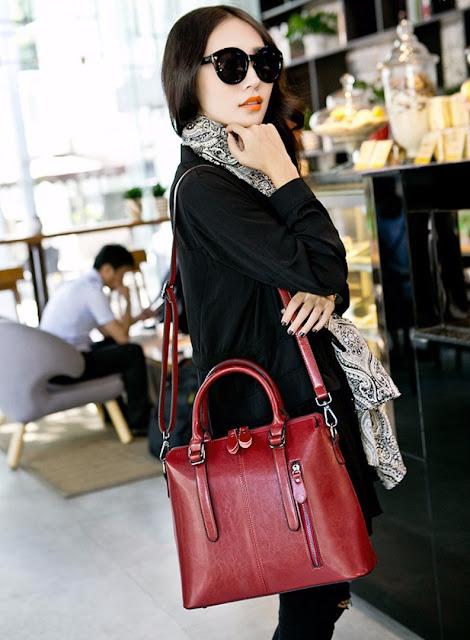 Women's Larger Leather Shoulder Bag