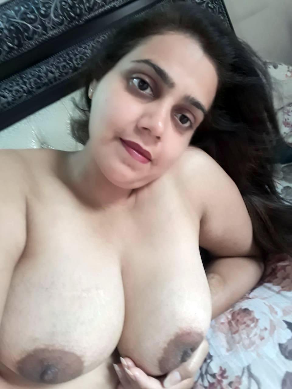 pakistani-mujra-nude-pics-bikini-models-xxx