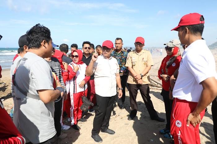 Plt Nanang Ermanto sambangi Wisata Pantai Laut Kedu Warna kec kalianda Lamsel.