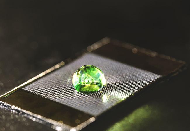 Tinuku Biomimetic materials decrease drag for liquids