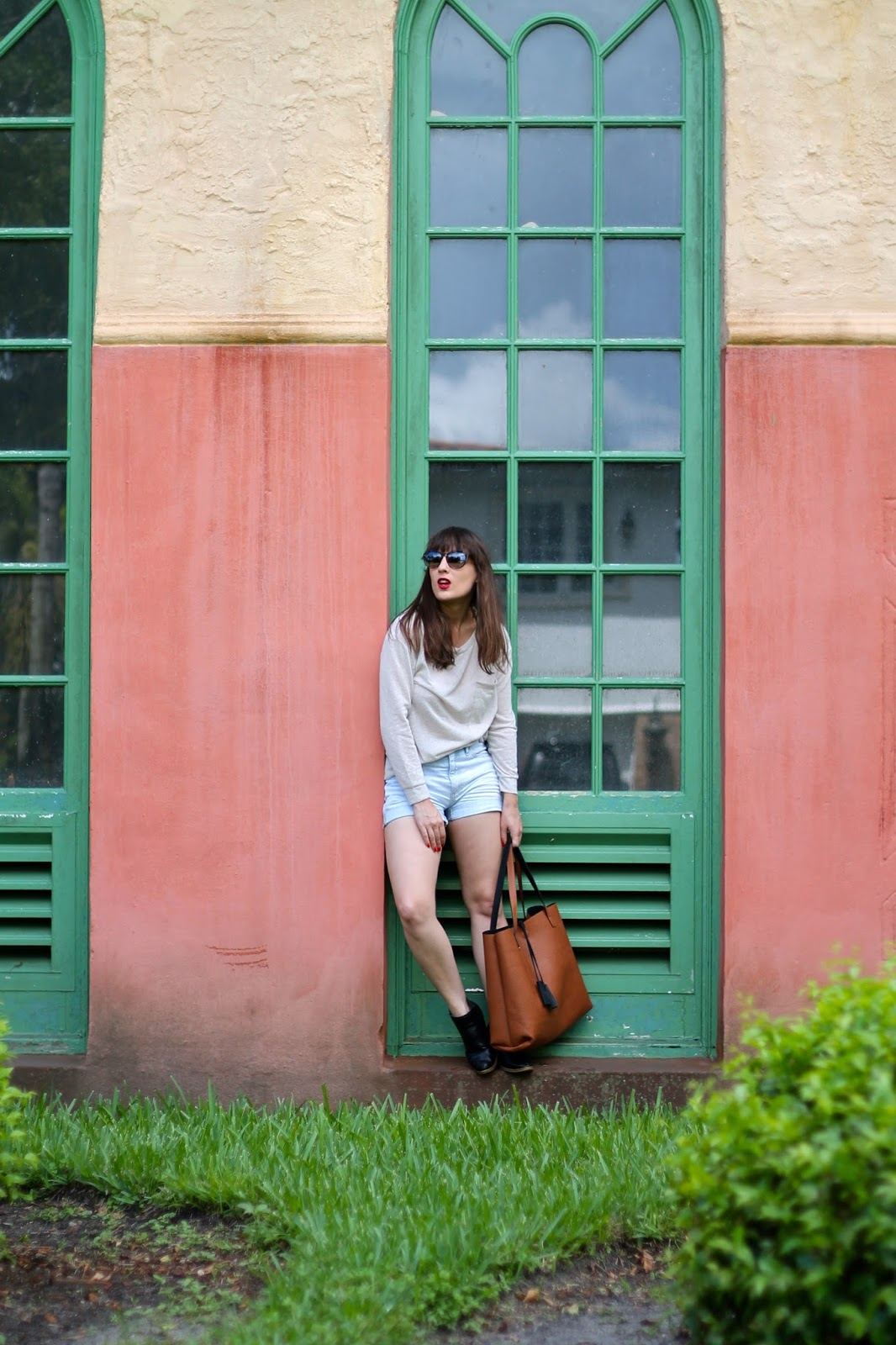 Miami, fashion blog, style blog, capsule collection, capsule blogger, minimalism, outfit ideas, reversible tote, Nordstrom, DVF, Target, Nordstrom Rack, Gap