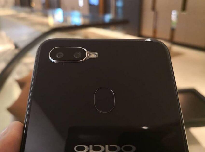 OPPO F9 Dual Rear Cameras, Fingerprint Sensor, OPPO Logo