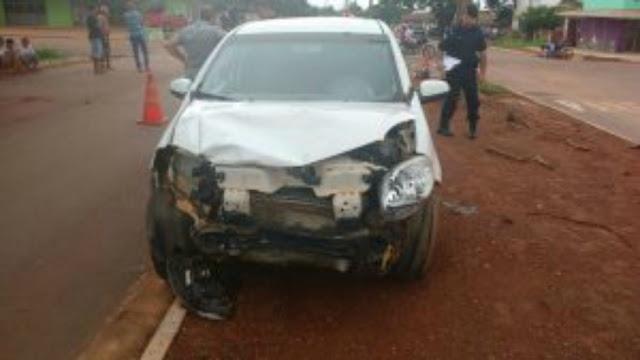 Motociclista fica ferido ao ser atingido por carro que avançou preferencial em Rolim de Moura