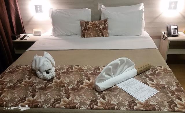 Cama do quarto 2301 do Hotel Tarobá