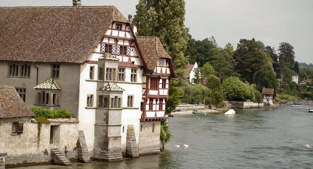 Day trip in Stein am Rhein: Medieval buildings along the Rhine River