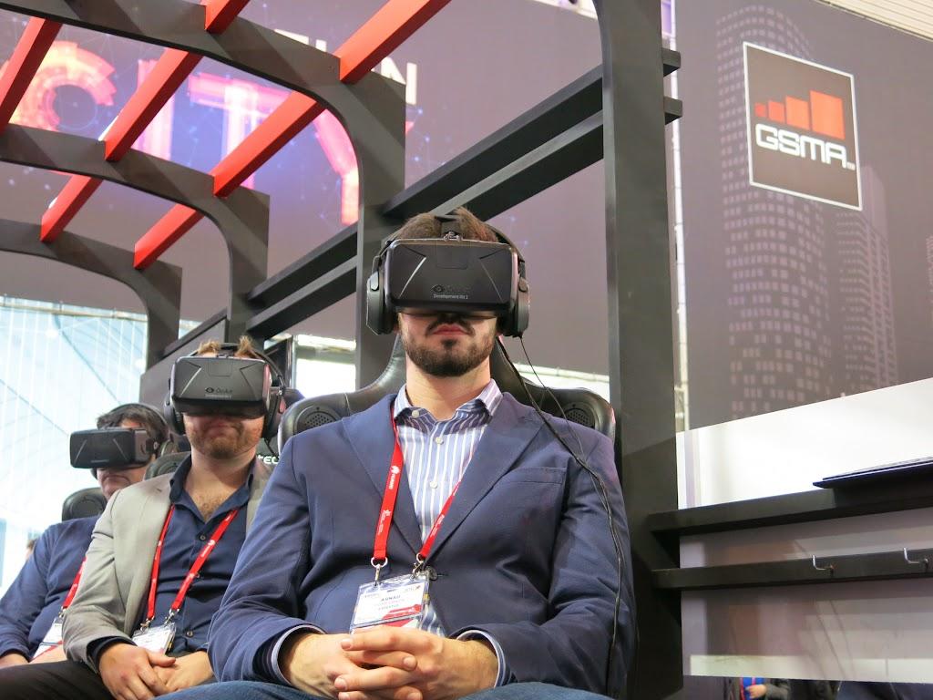 [MWC 2015 現場] 跟真的一樣,來玩Oculus 虛擬實境!|數位時代