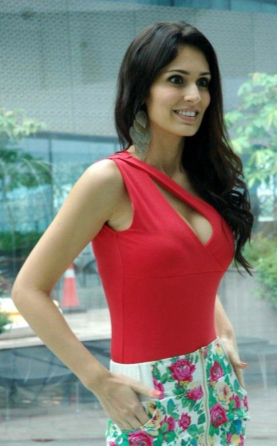 Bruna Abdullah Beautiful Picture