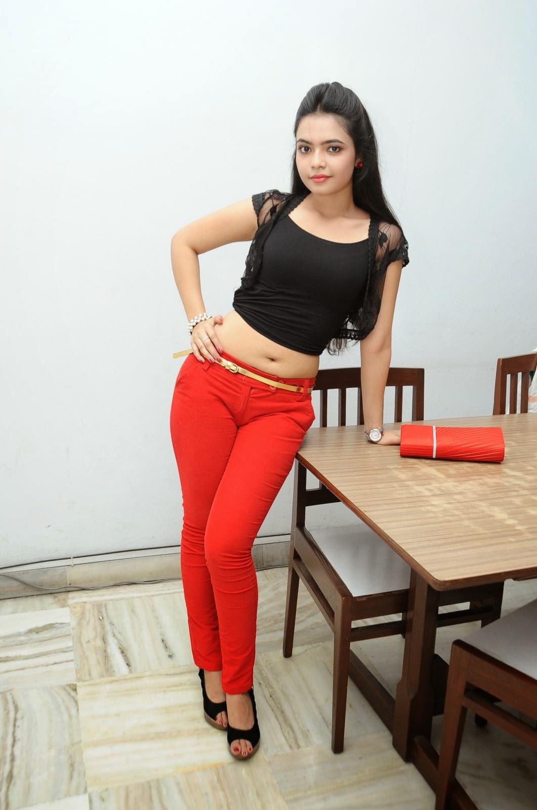 Young Actress Merina Photos at Veerudokkade audio-HQ-Photo-40