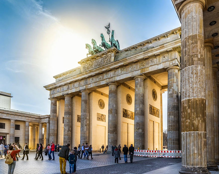 16 Of Your Favorite Landmarks Photographed WITH Their True Surroundings! - Brandenburg Gate, Berlin