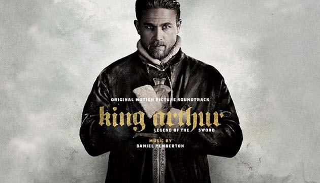 king arthur bercerita tentang