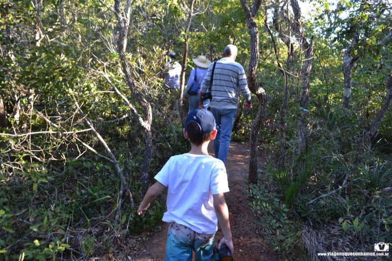 Buraco das Araras com crianças