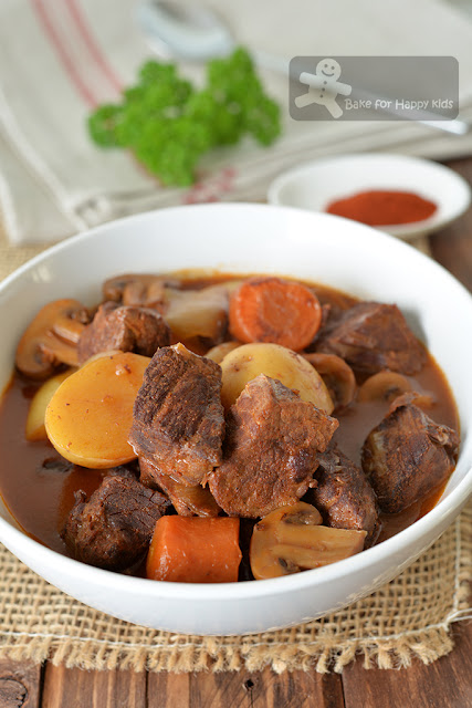 classic red wine beef stew