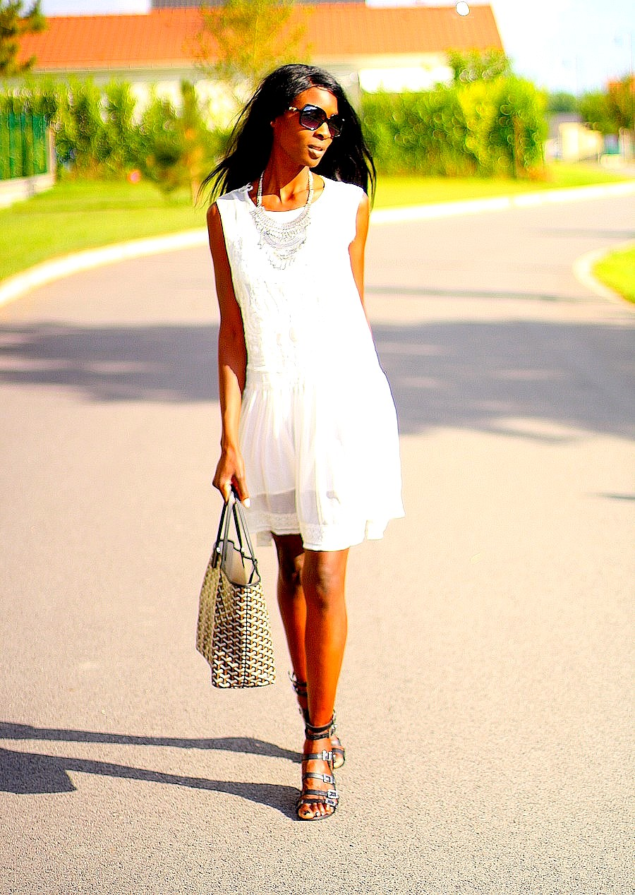 bohemian-outfit-gladiator-sandals