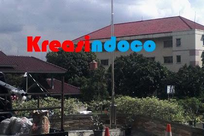 Tiang Bendera Pemasangan Di Jalan Kembang Dekat Pasar Puri Indah Belakang Sekolah Ipeka Puri