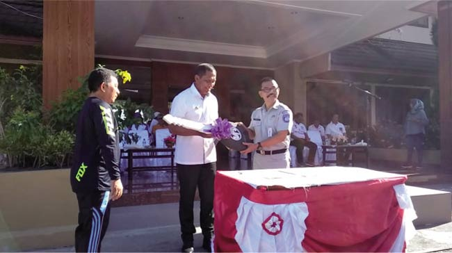 Jasa Raharja Maluku Bantu Mobil Ambulance Untuk Pemda Malteng