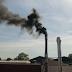 Omgeving is zwarte rook en stank dierencrematorium beu