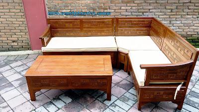 Membangun rumah tentunya harus mempunyai perencanaan yang matang dari banyak sekali aspek 60 Model Kursi Kayu Minimalis untuk Ruang Tamu yang Berkelas dan Tips Memilihnya