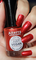 http://lacquediction.blogspot.de/2016/12/alterra-just-vegan-nail-colour-06-vegan.html