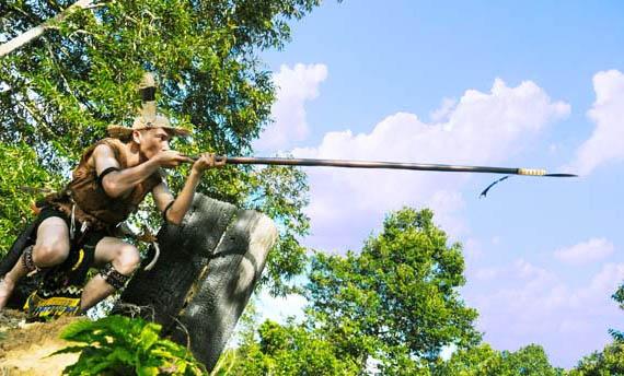 Senjata tradisional Jambi sumpit suku Kubu