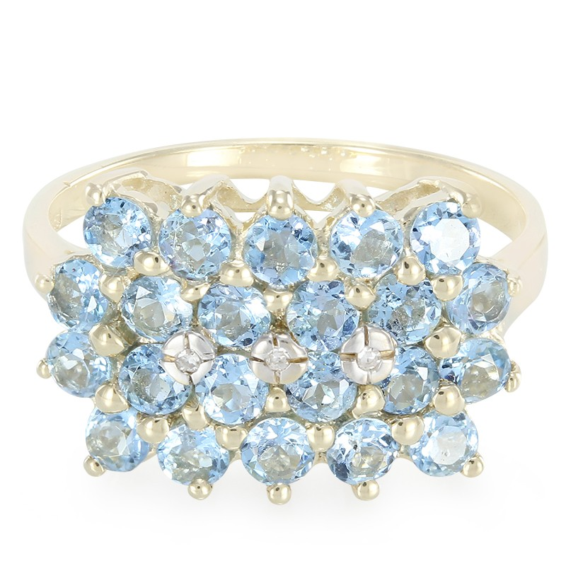 Image showing an aquamarine cluster ring featuring 9k gold and 1.22 ct Santa Maria aquamarine from Brazil. Image by Rocks and Co.com