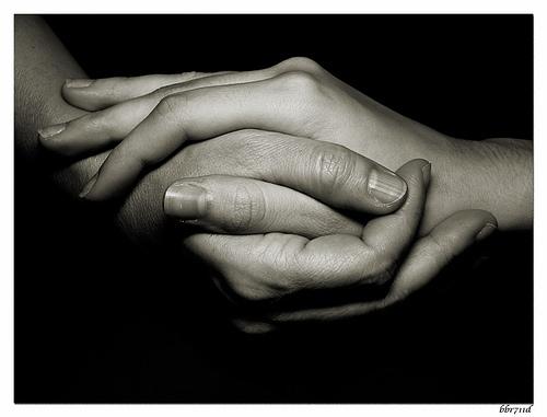 Frases secretas del alma-http://4.bp.blogspot.com/-vZhLnaj-b2k/TaIcRmbBolI/AAAAAAAAAxQ/_Lf7sWFzRdY/s1600/toma_mi_mano.jpg