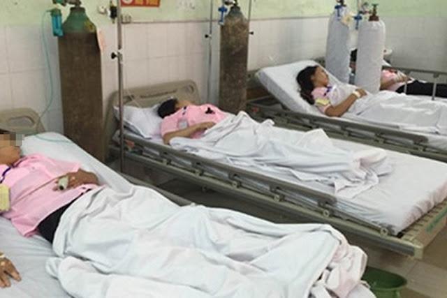 Ăn nhầm bột thông bồn vệ sinh làm 44 học sinh phải nhập viện cấp cứu
