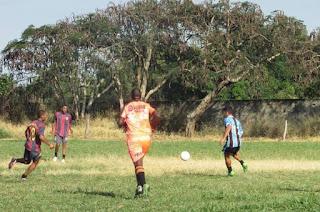 http://vnoticia.com.br/noticia/3128-jogos-deste-domingo-definem-semifinalistas-do-campeonato-municipal-de-futebol-de-sfi