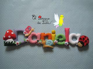 nombre-fieltro-Daniela-animalitos-felt-feltro-elbosquedelulu-hechoamanoparati-personalizado-regalo-nacimiento-baby-roon-name-banner