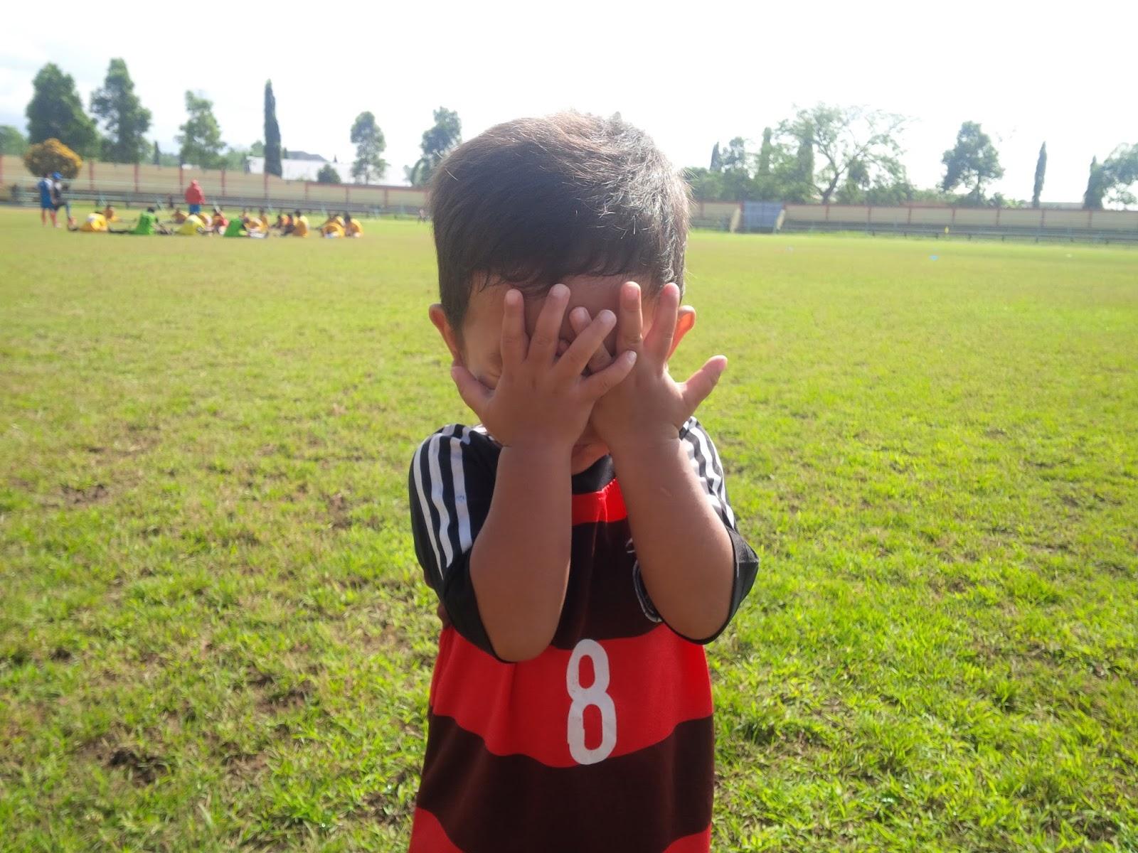 Anak Kecil Pun Mencintai Sepakbola Arsad Corner