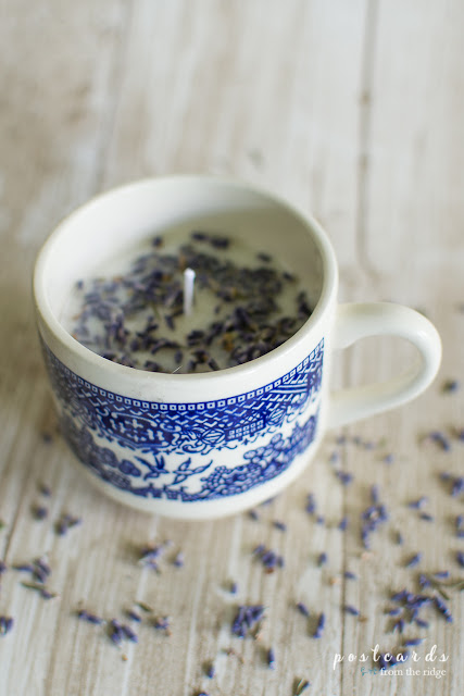 diy candle in a blue willow tea cup