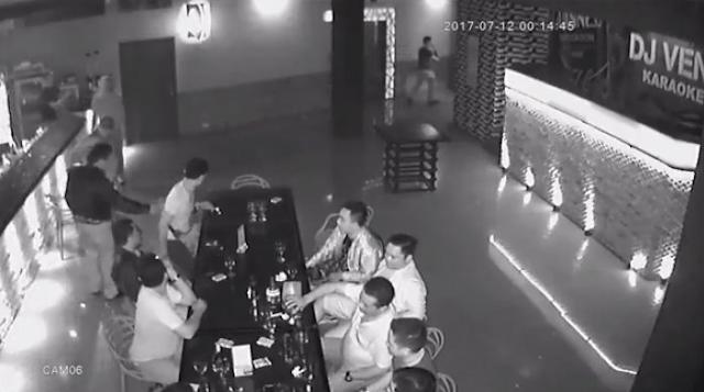 Kapolres Terekam CCTV Masuk Tempat Hiburan