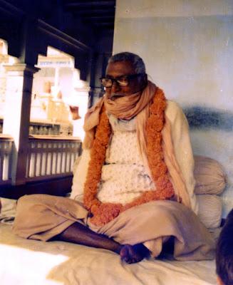http://nimaihuset.blogspot.se/2012/11/srila-sridhar-maharaj.html