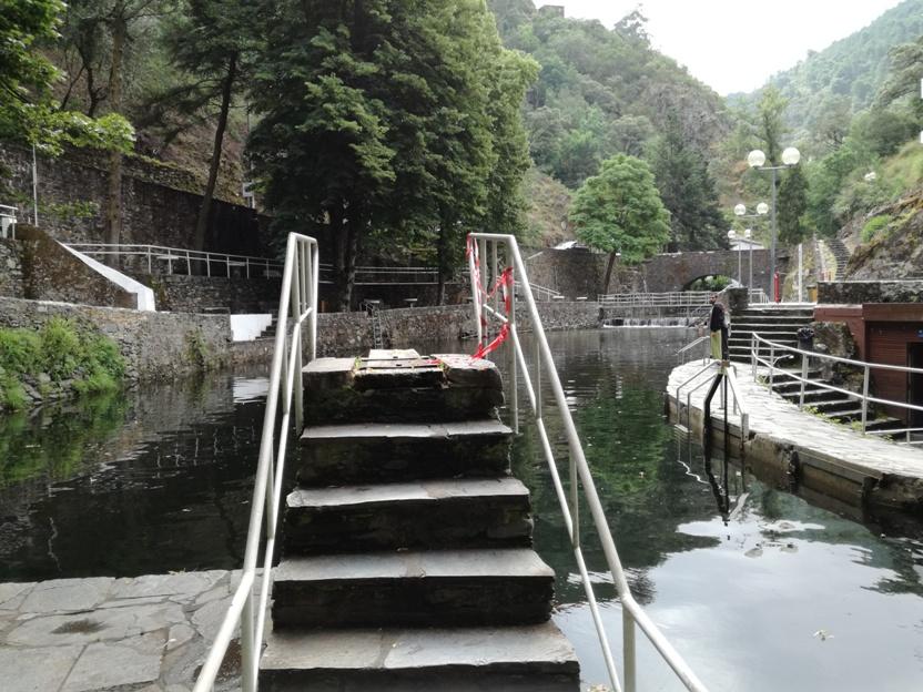 Entrada para para saltos para a água