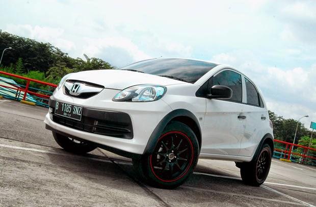 Modifikasi Honda Brio Satya Putih Terbaru 2014