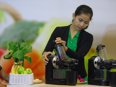 buah dan sayur, philips hr1889 slow juicer