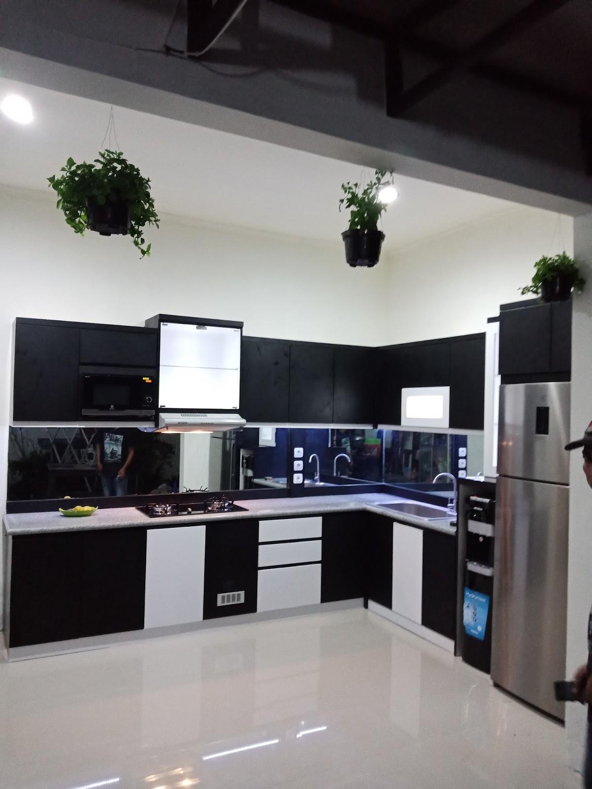 Kitchen set solo januari 2018