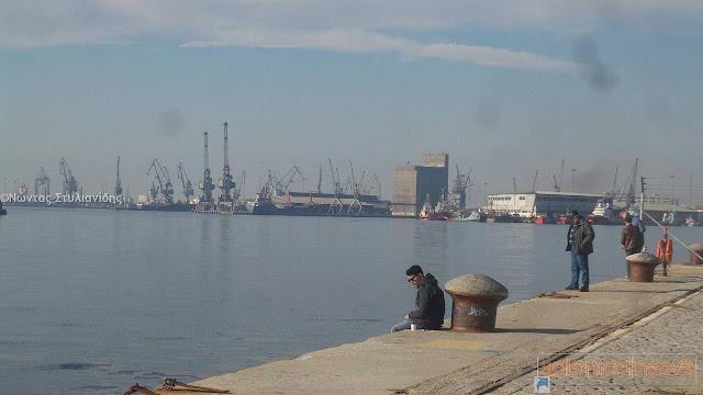 Δε θα στηθεί φιέστα στο λιμάνι για τη σύμβαση του ΟΛΘ