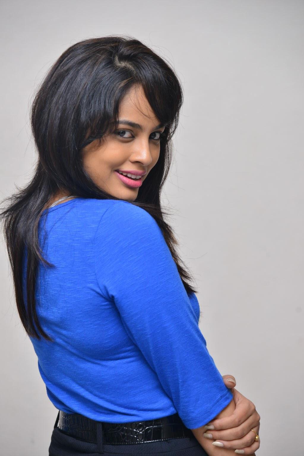 Nandita swtha sizzling in blue top-HQ-Photo-13