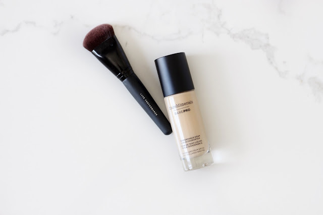 bareMinerals barePRO Performance Wear Liquid Foundation